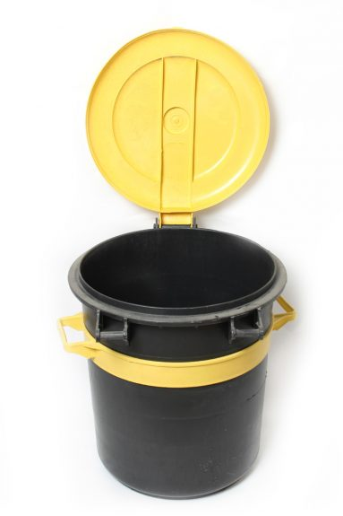 פח אשפה 60 ליטר שחור + מכסה | הכל לצימר