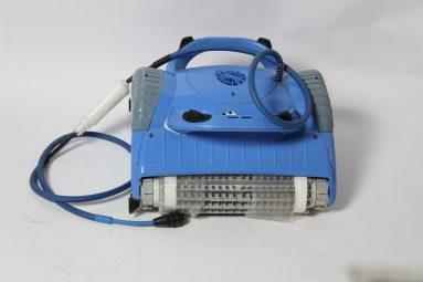 רובוט לבריכה דגם m-250 מתאים ל PVC וקרמיקה | הכל לצימר